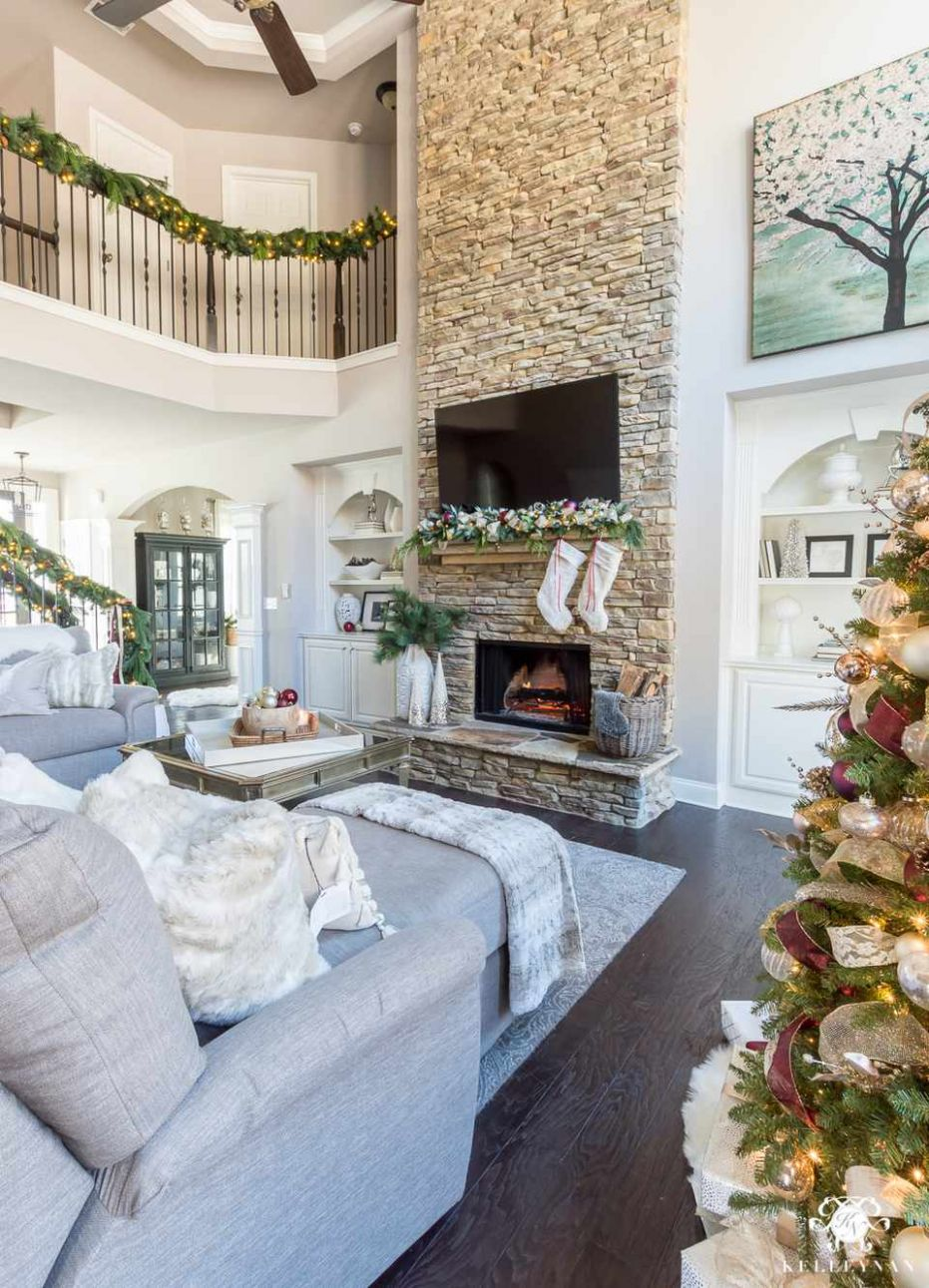 10 Beautiful Ways to Decorate the Living Room for Christmas