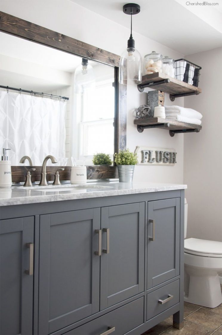 10 Classic Gray and White Bathrooms