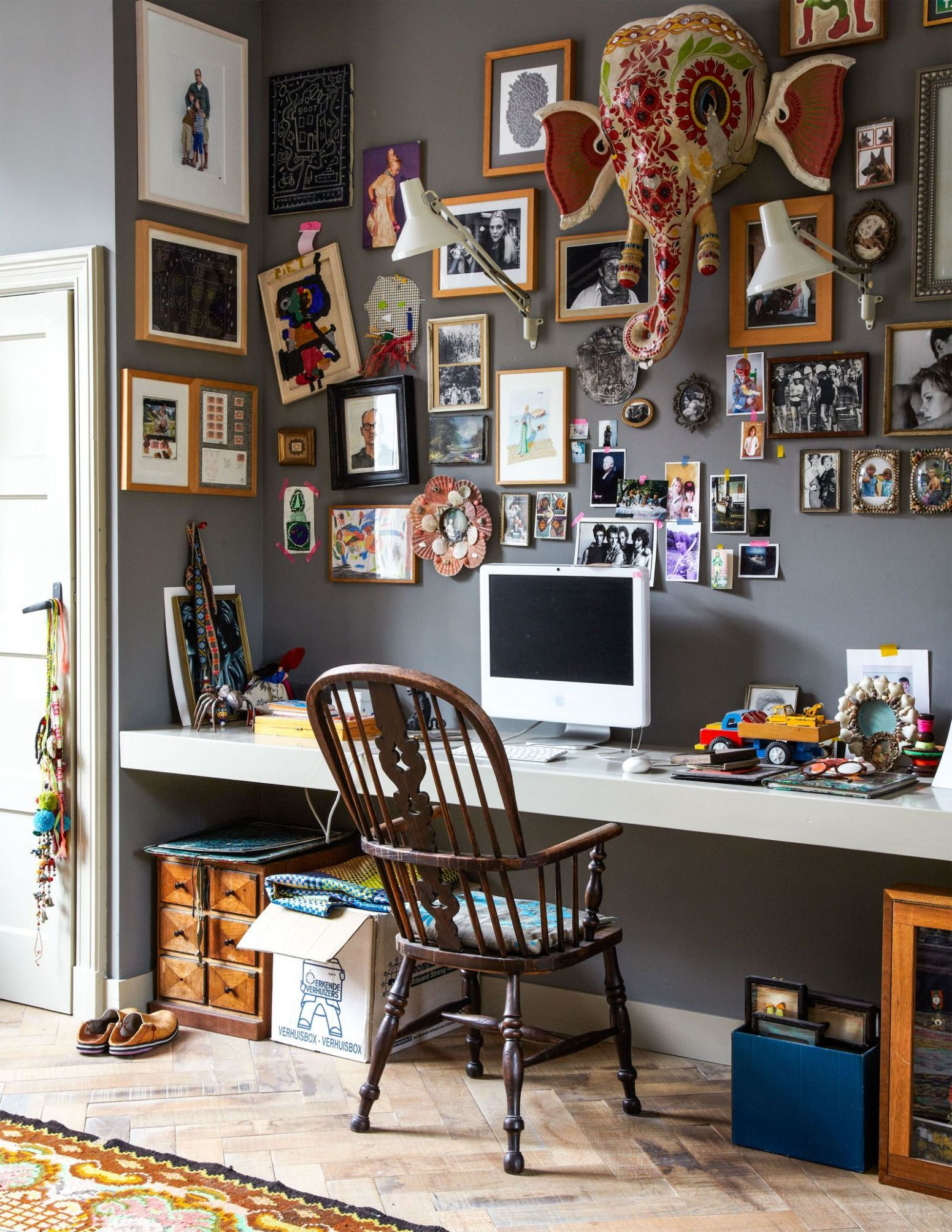 10 Creative Ways to Make Your Clutter Look *Good* | Workspaces ..