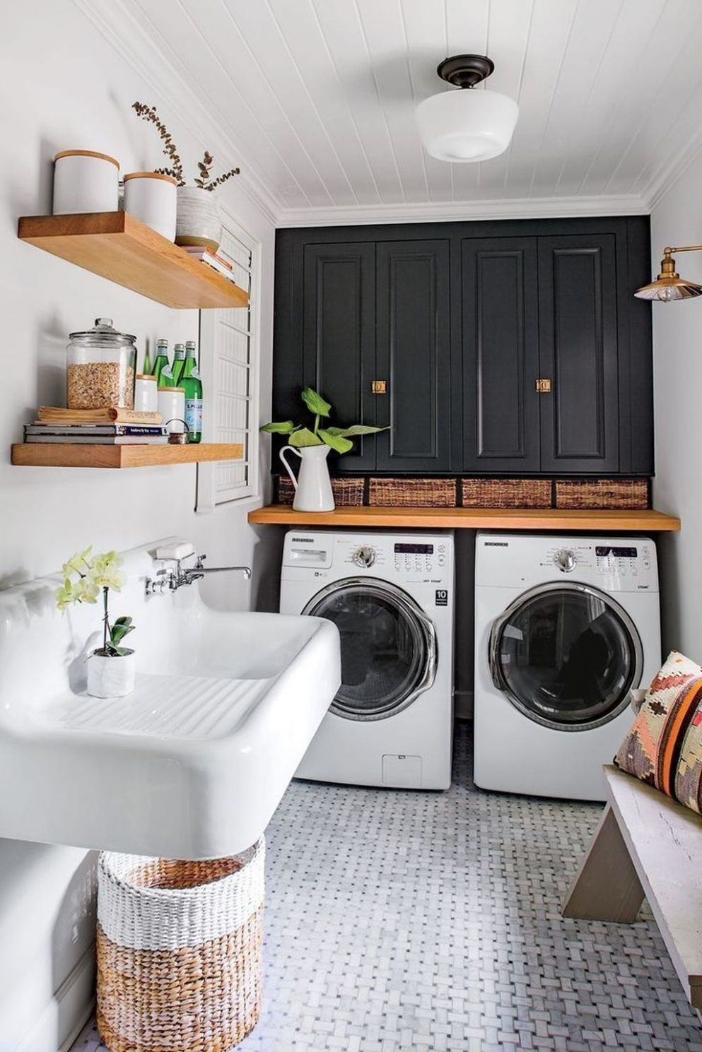 10+ Gorgeous Mudroom Ideas For Laundry Room | Mudroom ideen ..