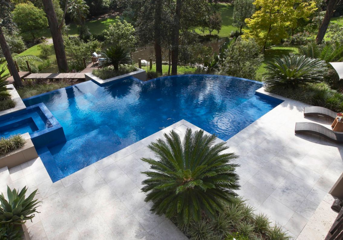 10 Invigorating Backyard Pool Ideas & Pool Landscapes Designs ..