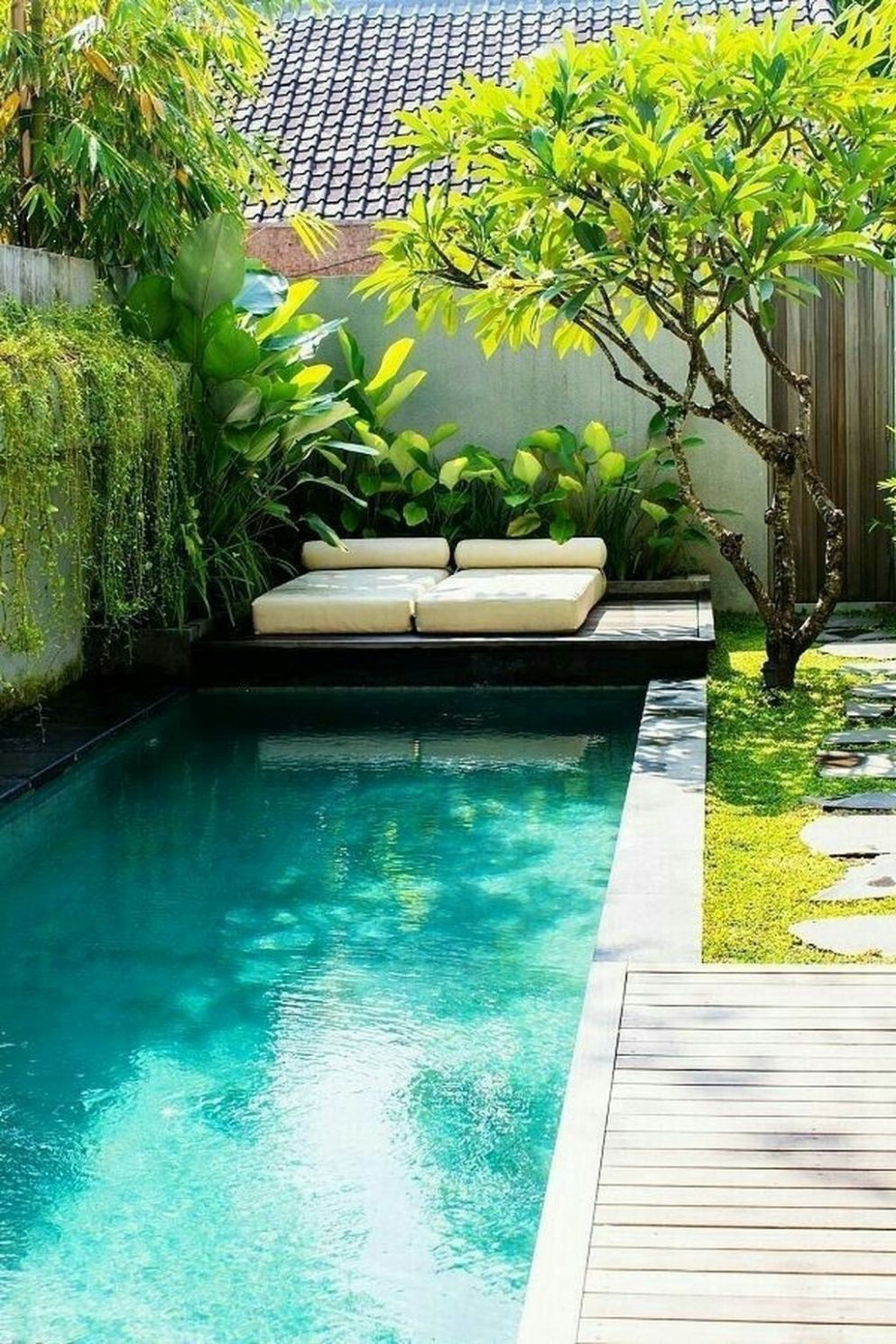 10+ Perfect Backyard Home Design Ideas With Swimming Pool | Petite ...
