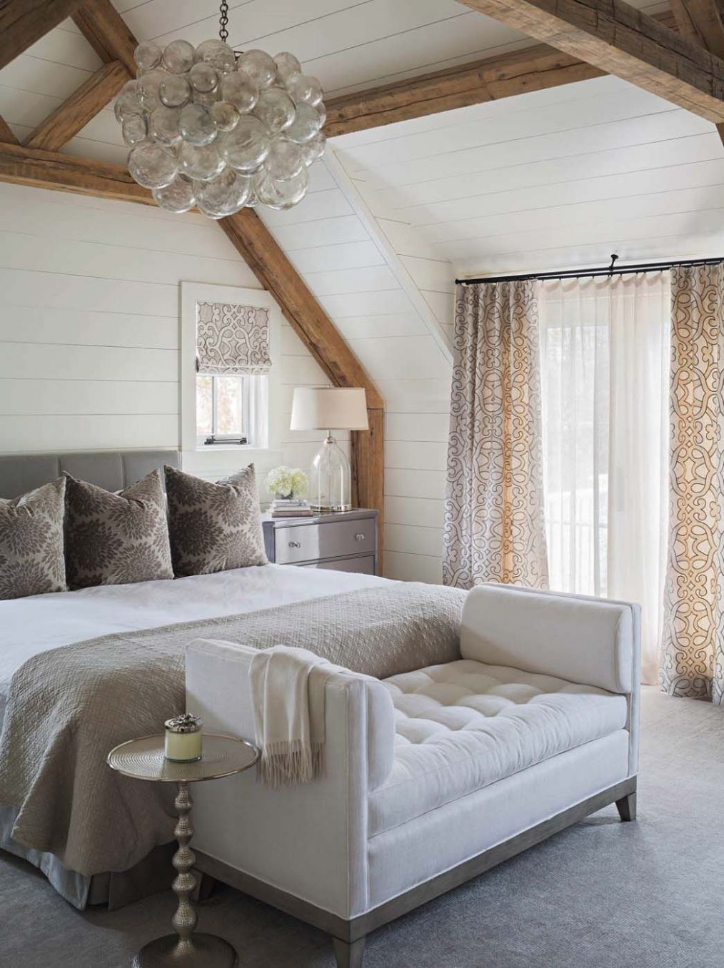 10 Stunning master bedroom retreats with vaulted ceilings ...
