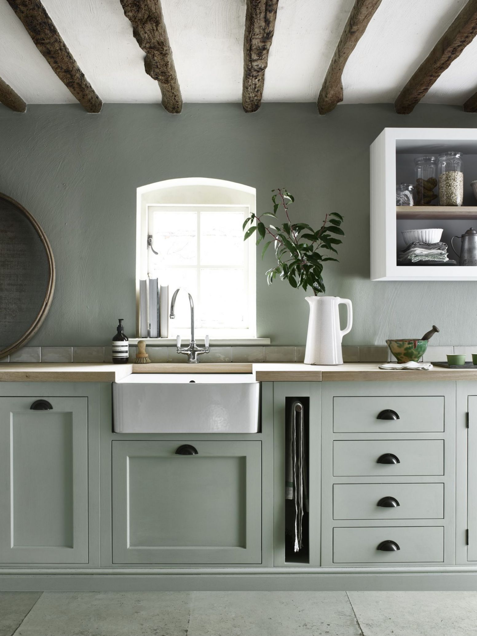 10 ways to create a country kitchen that's fit for 10 | Green ...