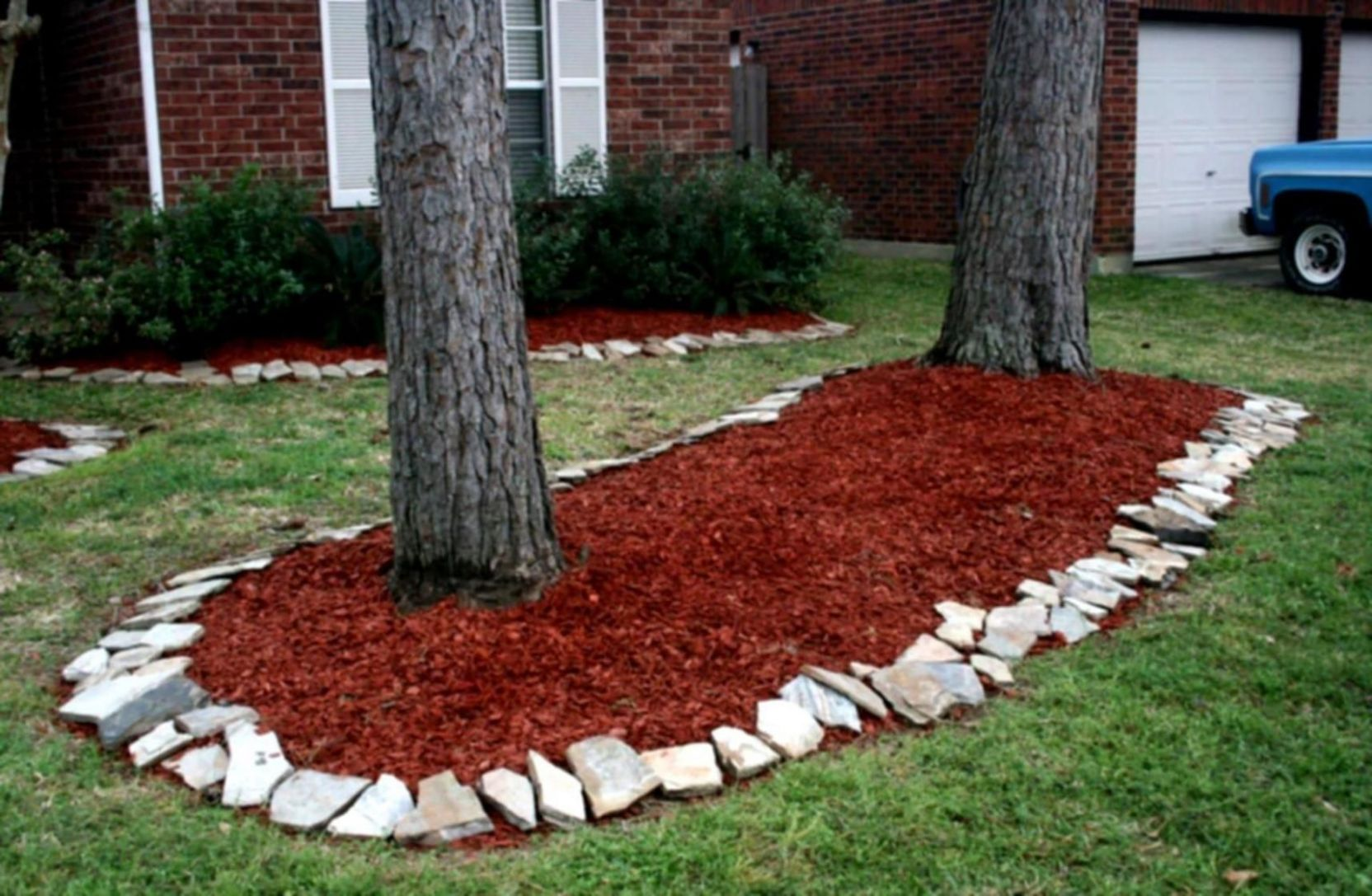 11 Cheap Landscaping Ideas With Rocks And Mulch | Cheap ...