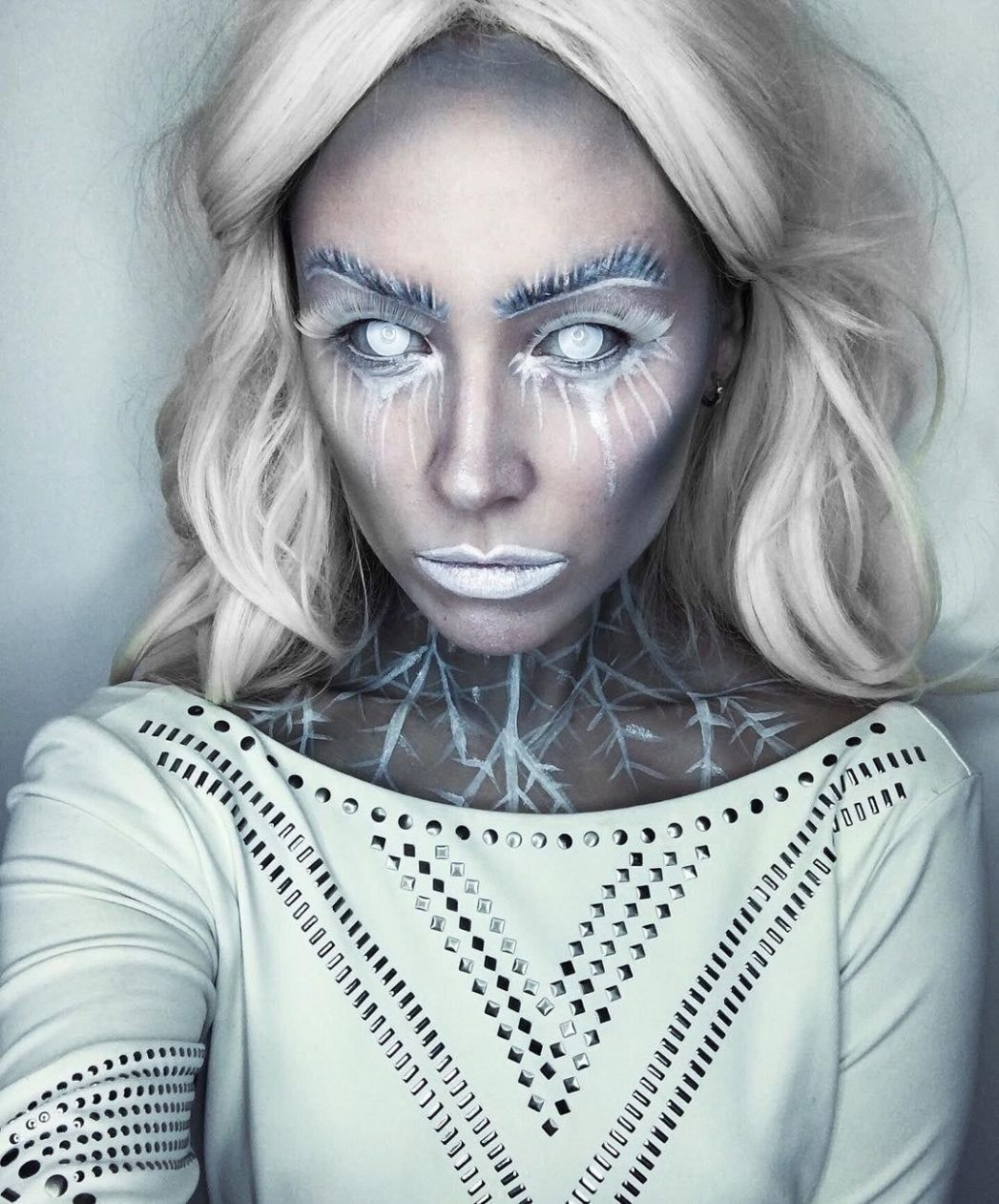 11 Ice Queen Halloween Makeup Looks That Are Chill AF | Ice queen ..