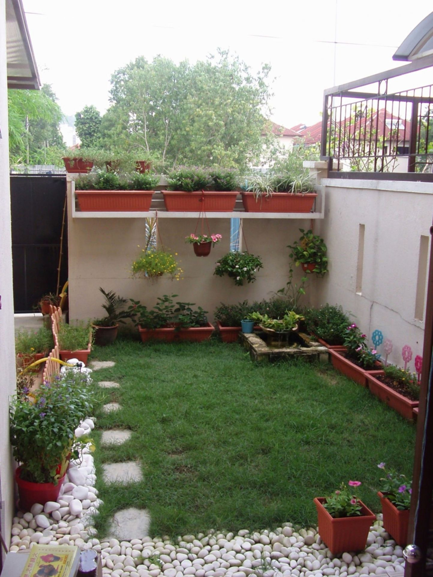11+ Incredible Tiny Yard Landscaping Design for Most Beautiful ...