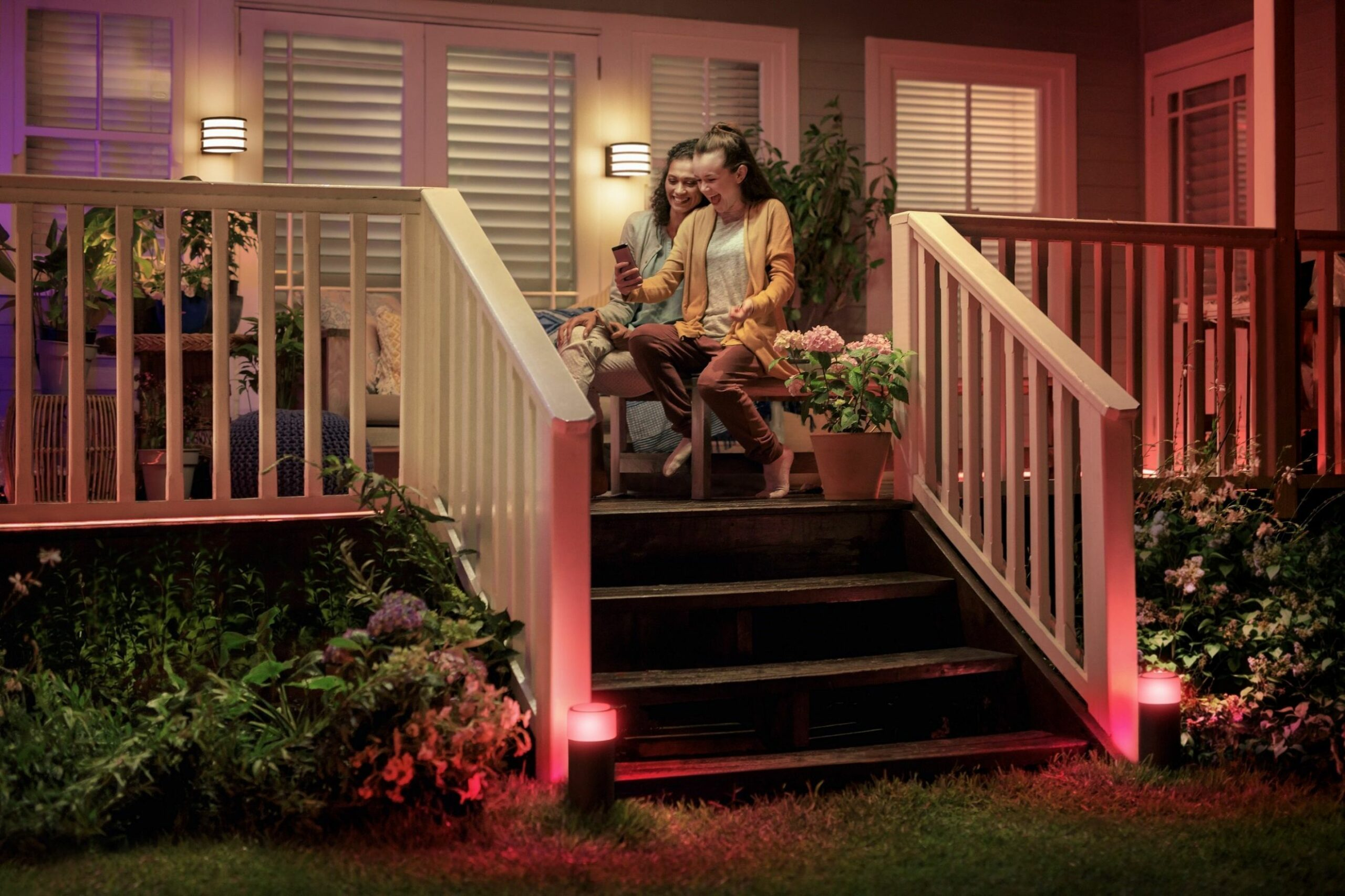 11 porch lighting ideas to make your house pop | Philips Hue - front porch lighting ideas