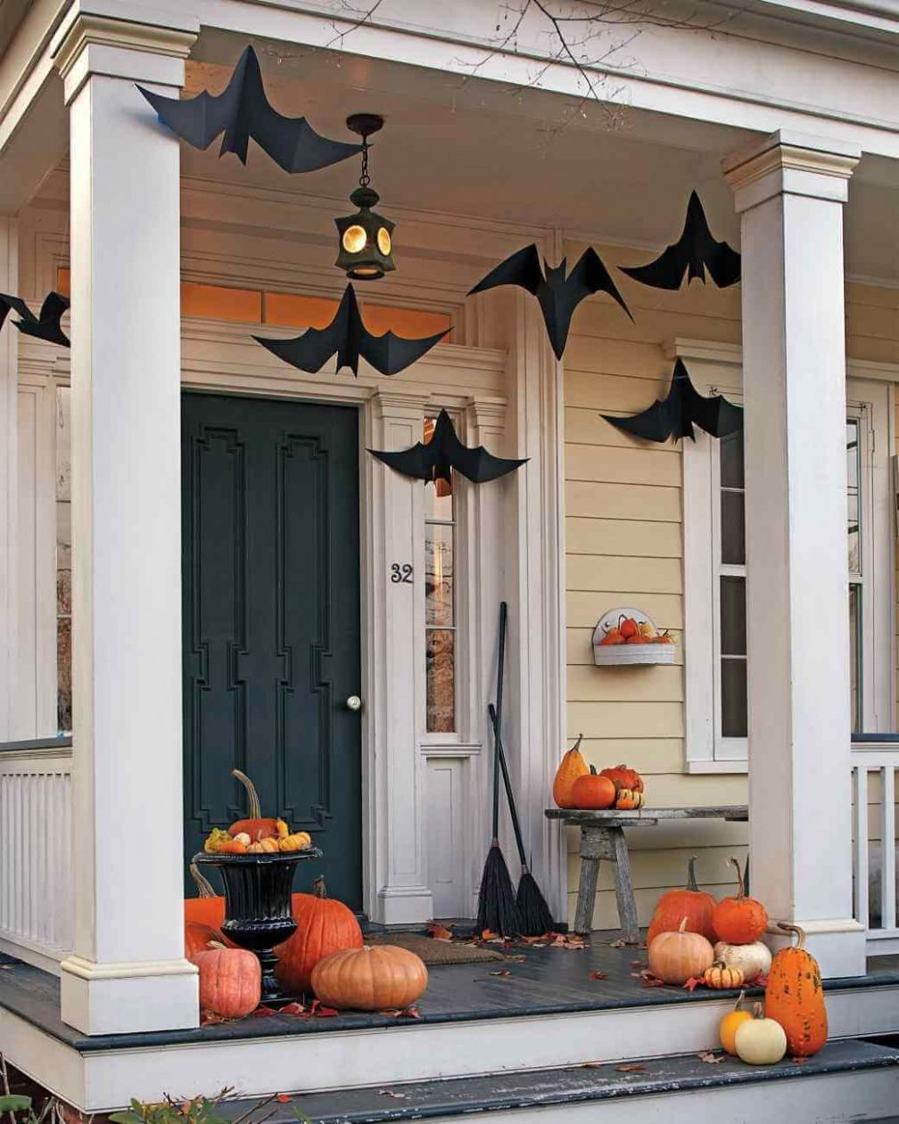 11+ Spooky Diy Halloween Front Porch Decorating Ideas This Fall ..