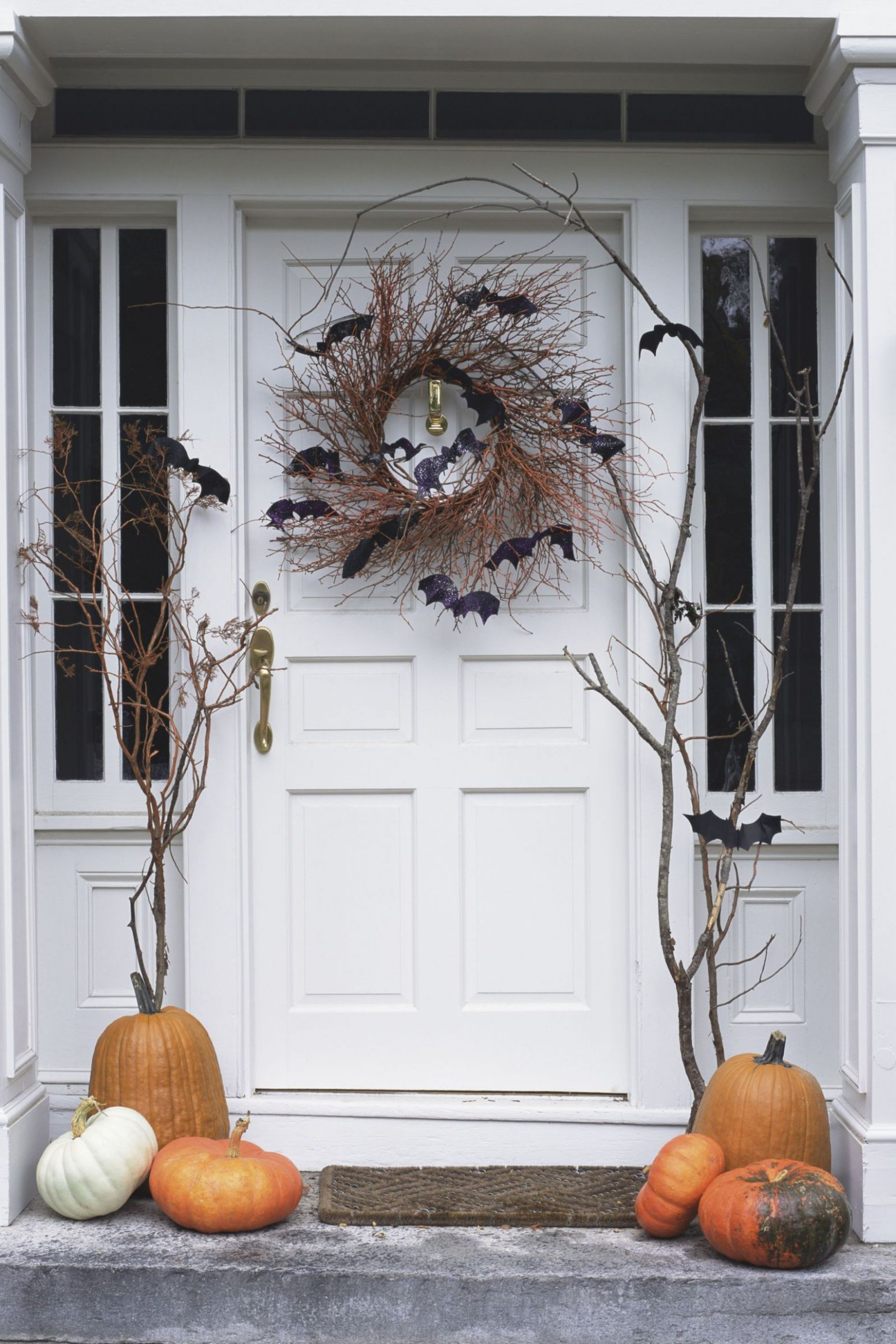 11 Spooky Halloween Decoration Ideas That Are So Chic It's Scary ...