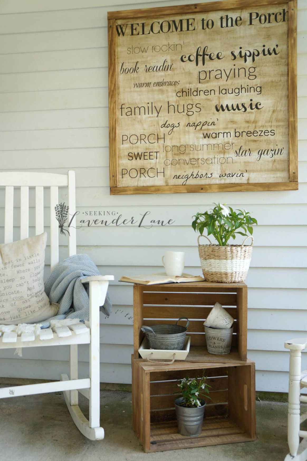 12 Beautiful Porch Wall Decor Ideas to Make Your Outdoor Area More ...
