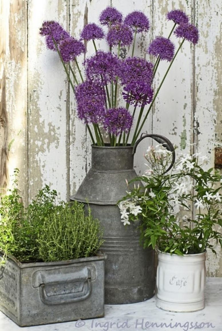 12 Best Front Door Flower Pots (Ideas and Designs) for 12