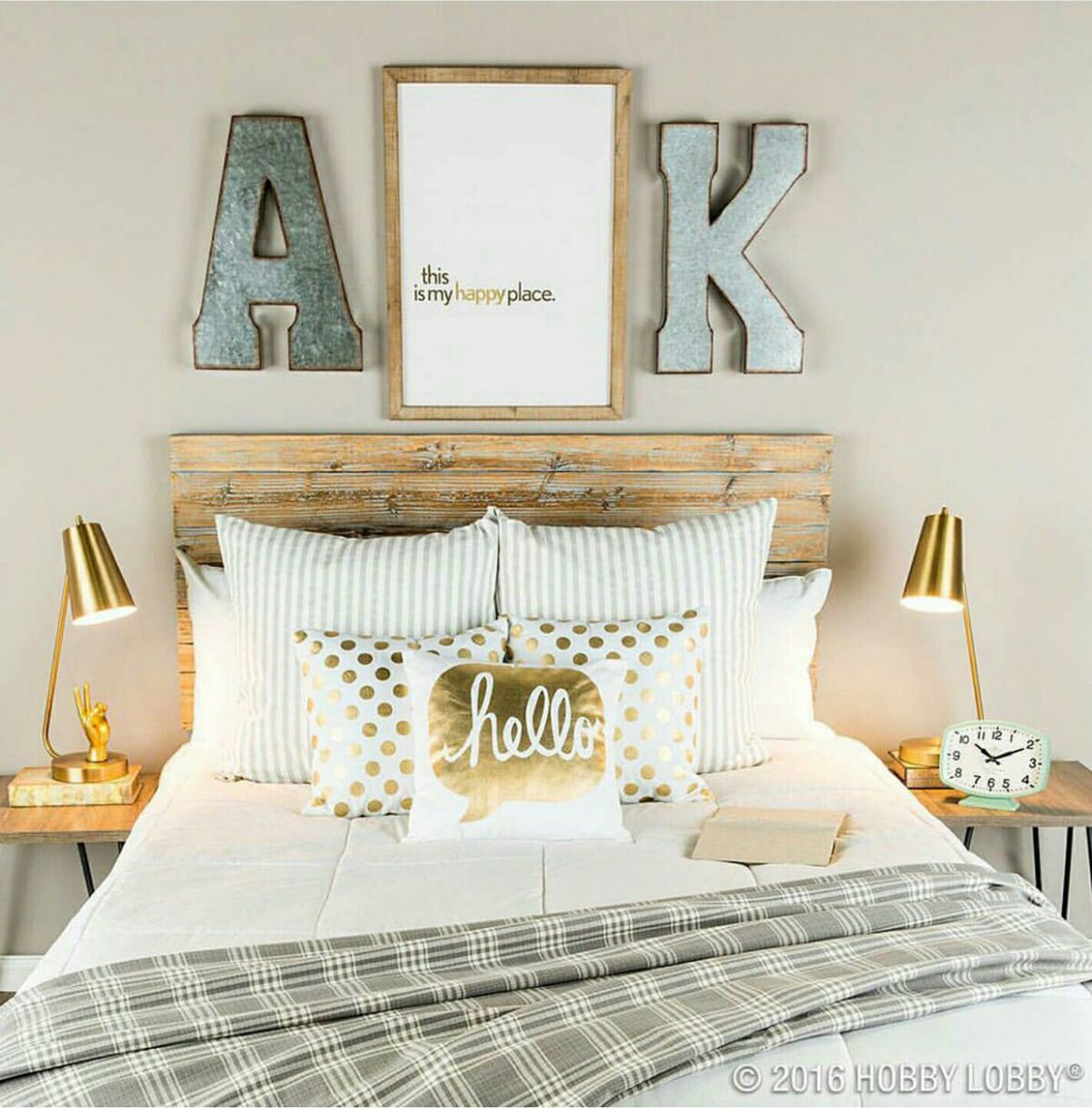 12+ Classy Bedroom Wall Decor Ideas to Style Up Your Space | Rina ...