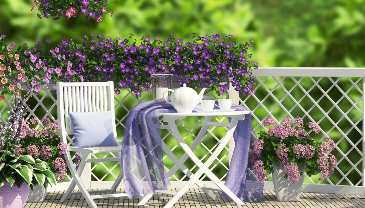 12 Ideas To Beautify The Balcony In Spring | Flower Blog - balcony beautification ideas