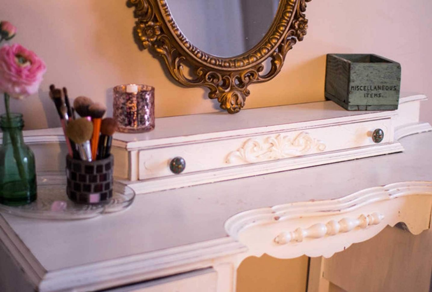 12 Makeup Room Ideas To Brighten Your Morning Routine | Shutterfly