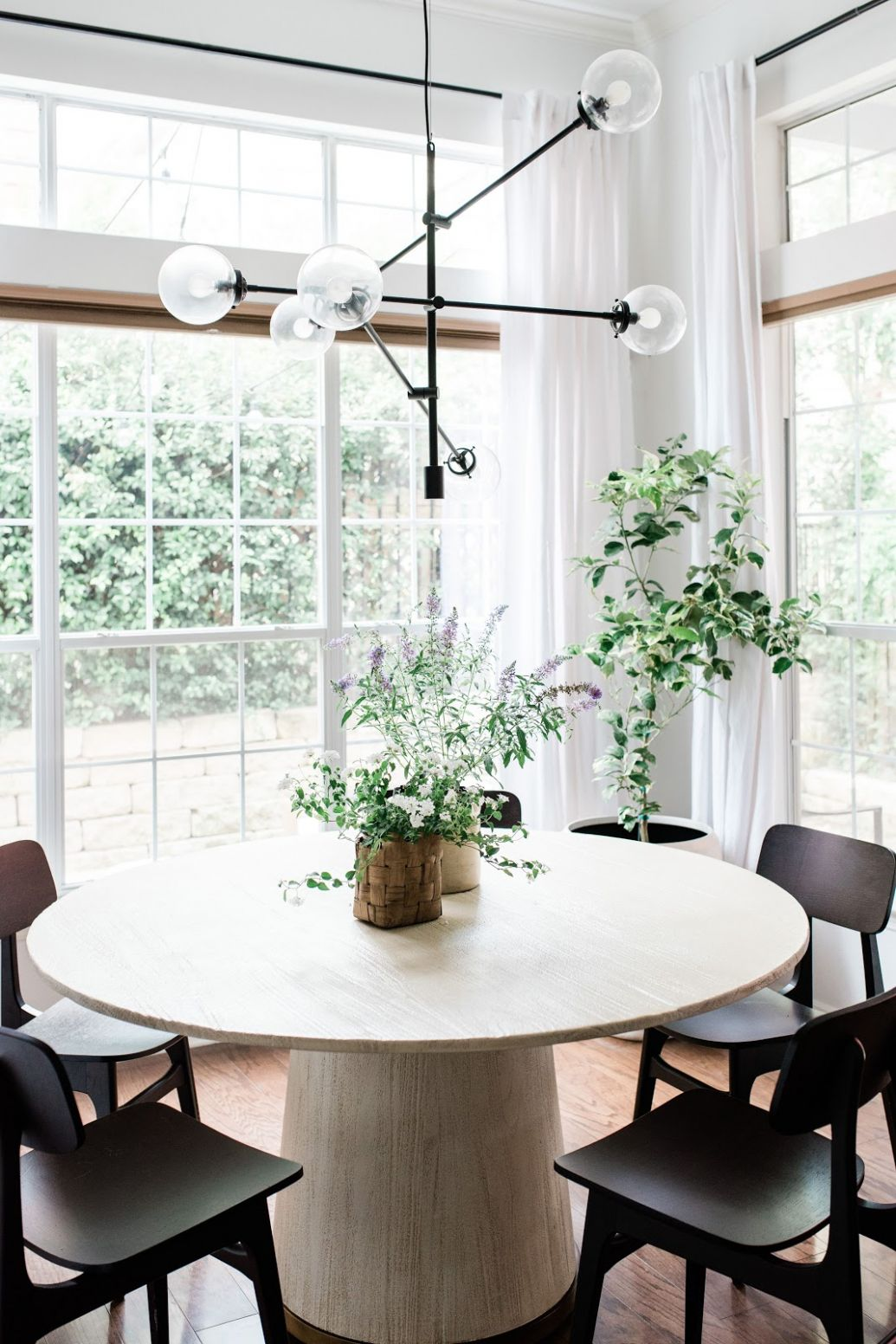 12 Small Dining Room Ideas to Make the Most of Your Space - dining room ideas with round table