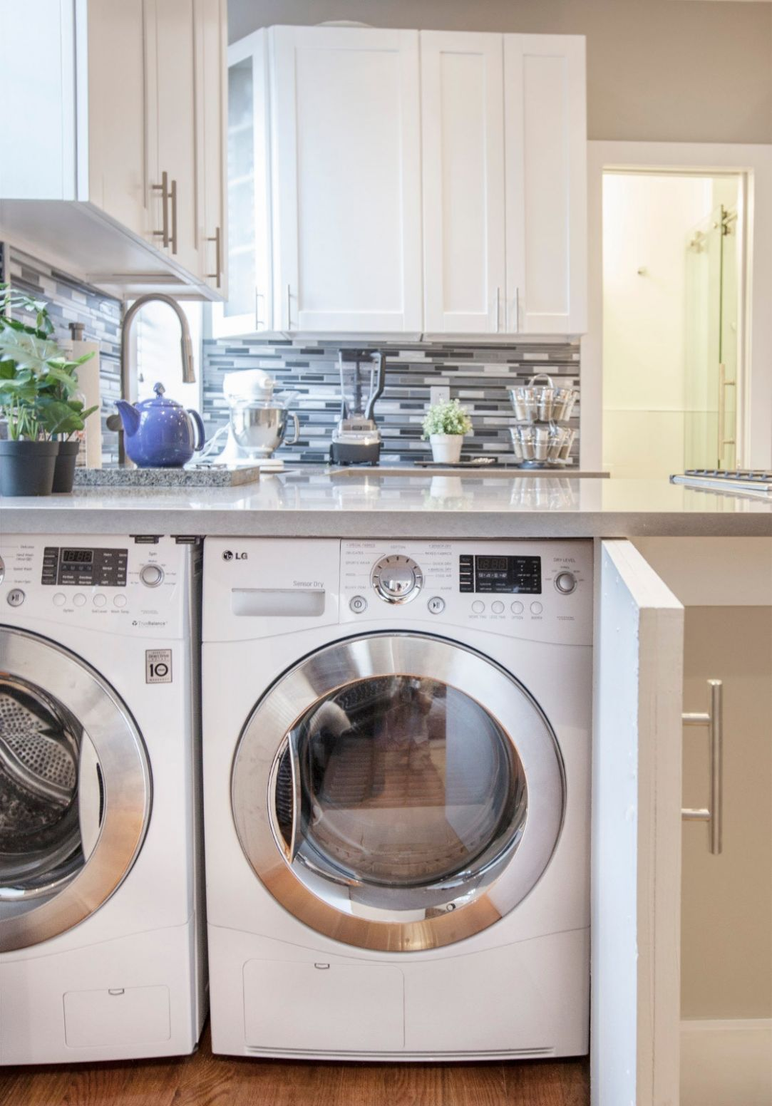 12 Small Laundry Room Ideas for the Tiniest of Apartments ..