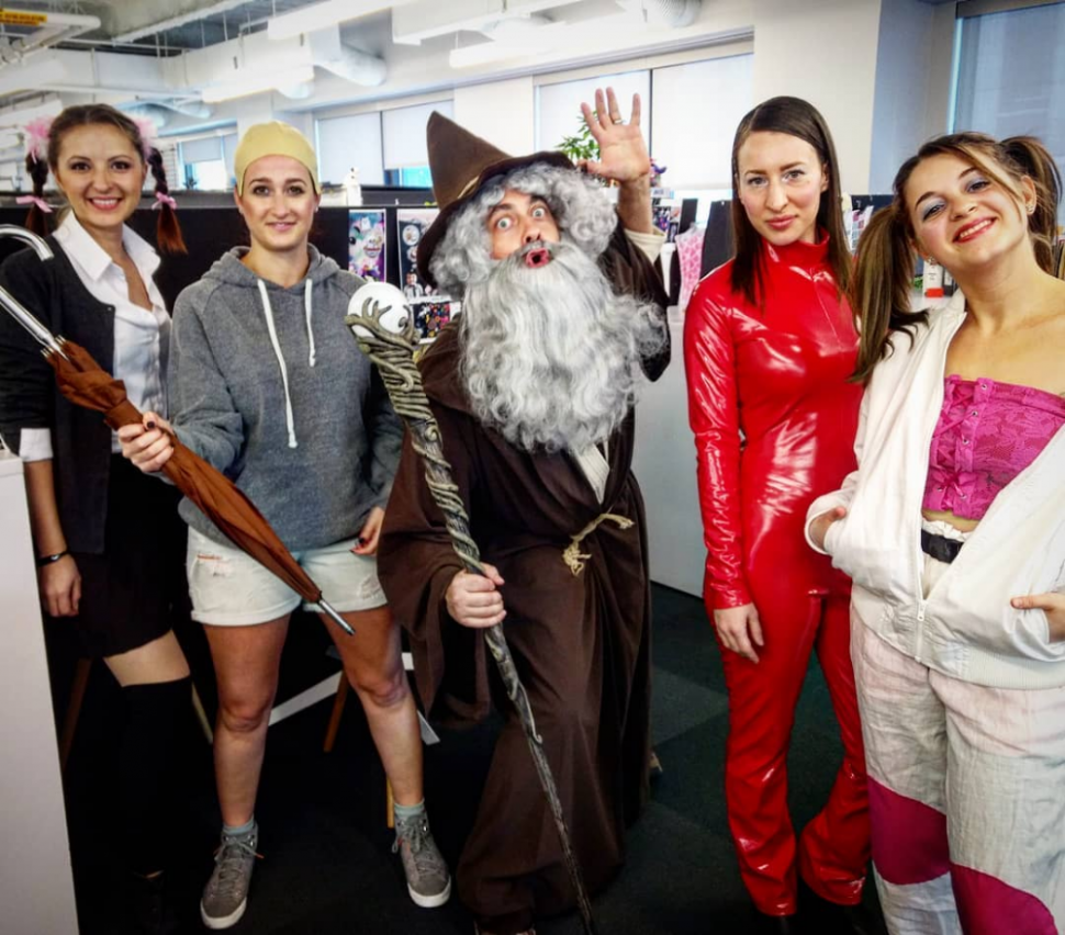 12 Unique Office Halloween Costumes for Workplace Halloween ...