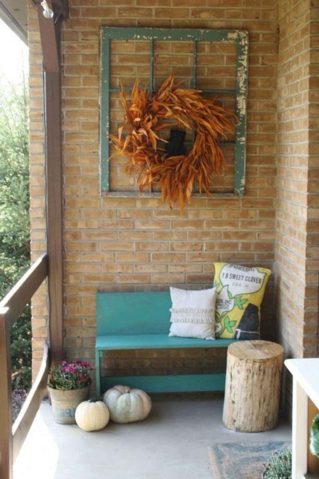 12 Unique Primitive Decorating Ideas | Porch wall decor, Porch ...