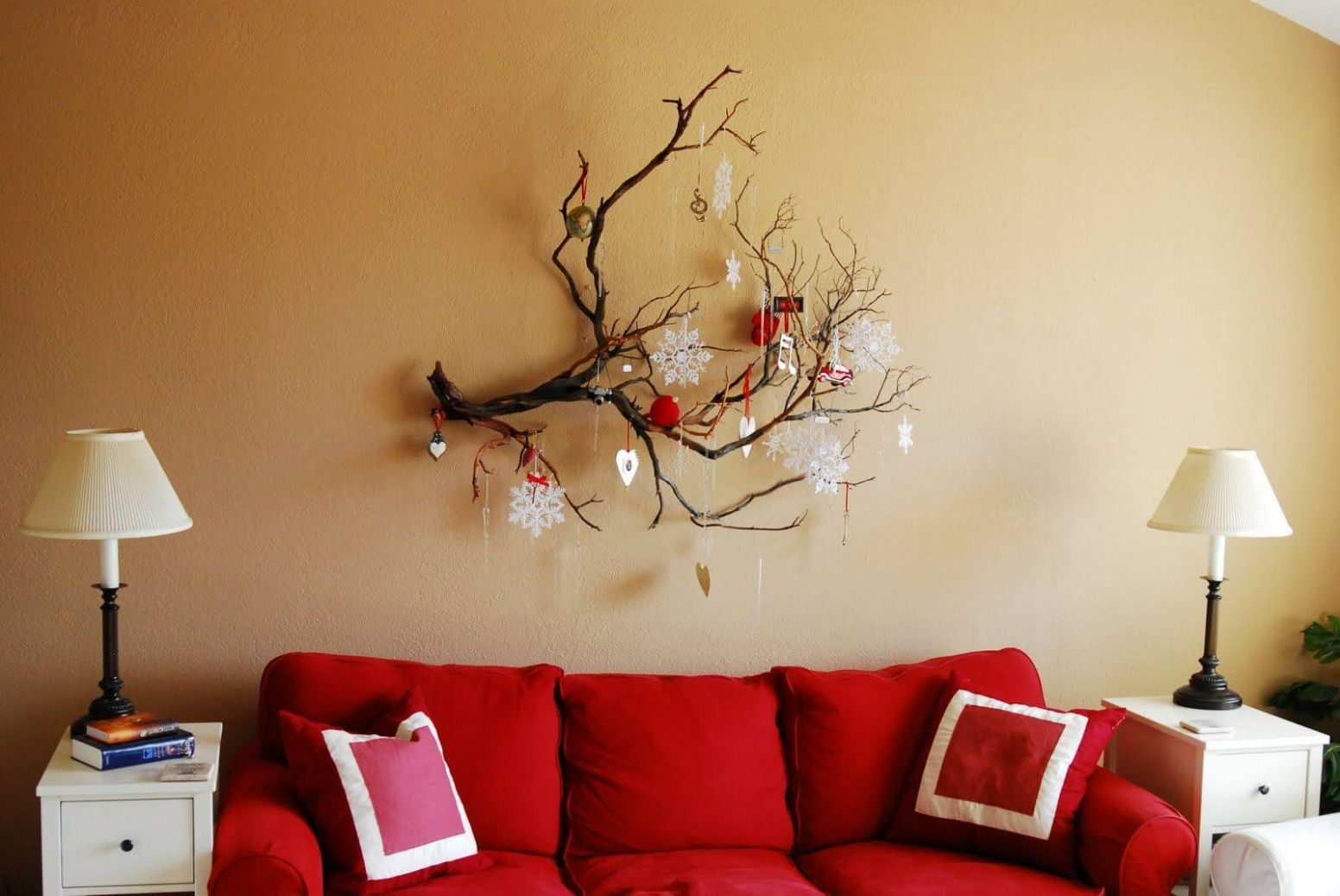 8 Best Christmas Wall Decor Ideas and Designs for 8