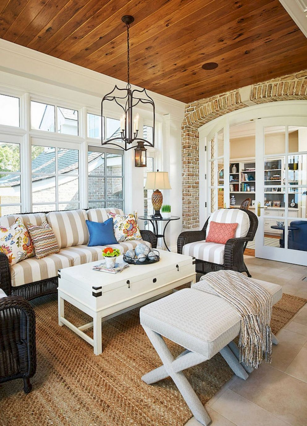 8 cozy farmhouse sunroom decor ideas | Sunroom furniture layout ..