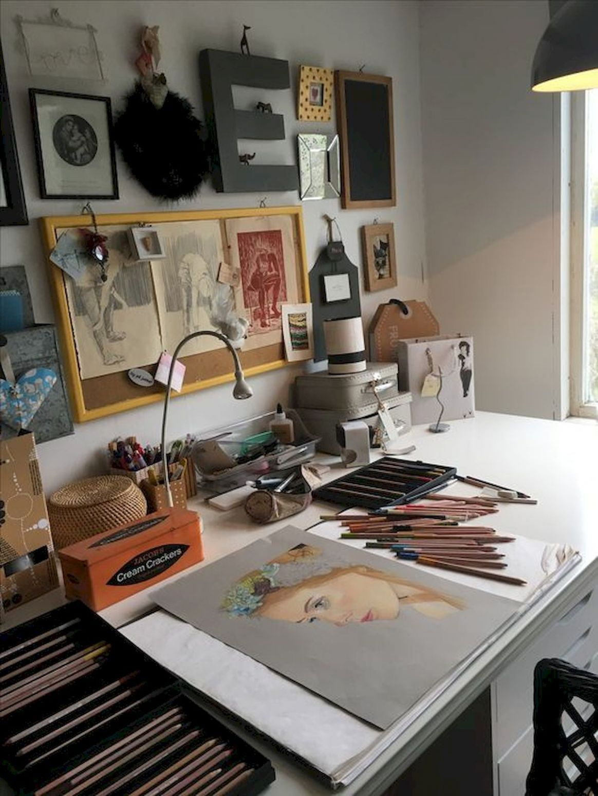 8 Favorite DIY Art Studio Small Spaces Ideas | Art studio space ..
