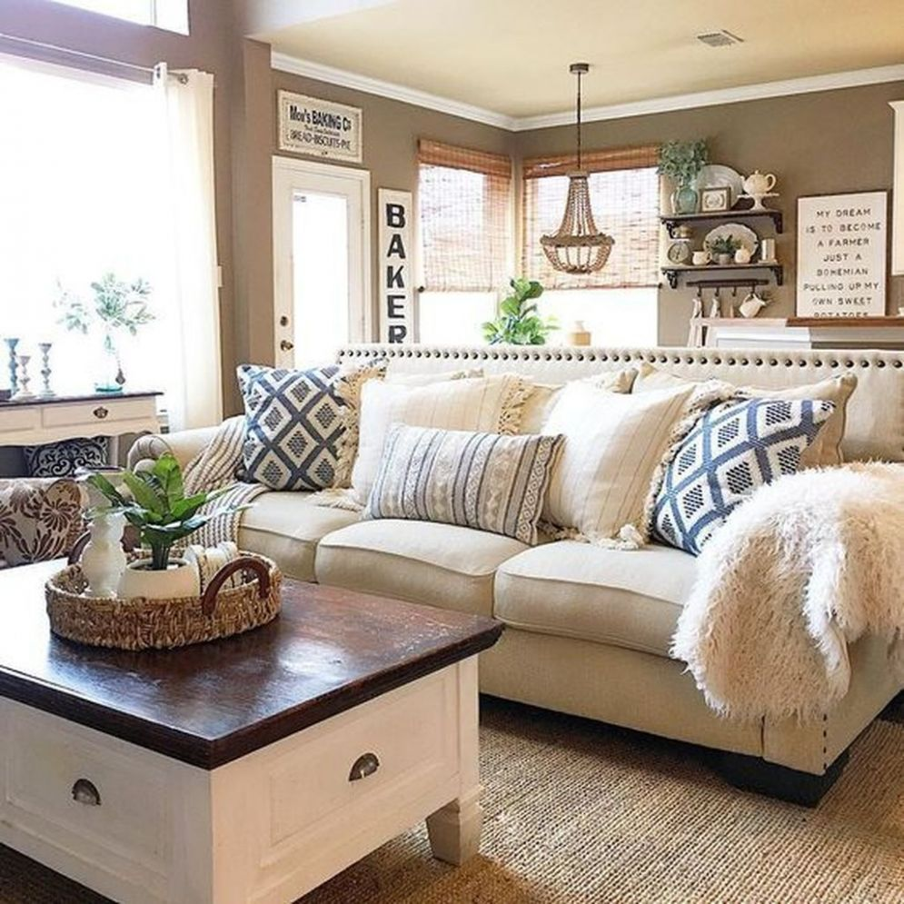 8 Fresh European Farmhouse Décor Ideas With Neutral Paint Colors ..