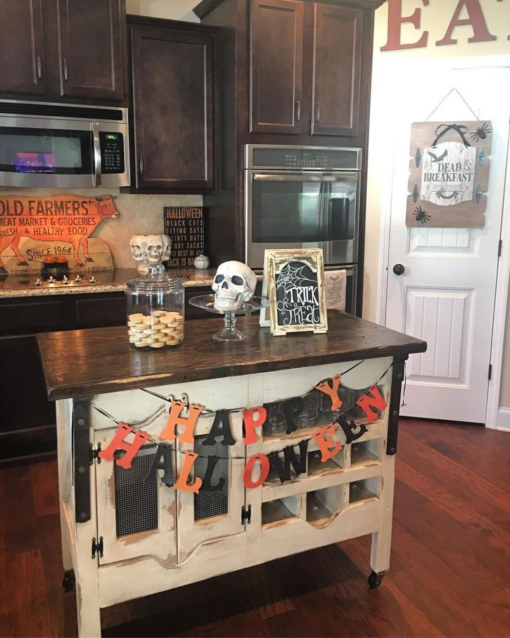 8 Halloween Kitchen Decor. Below are the Halloween Kitchen Decor ..