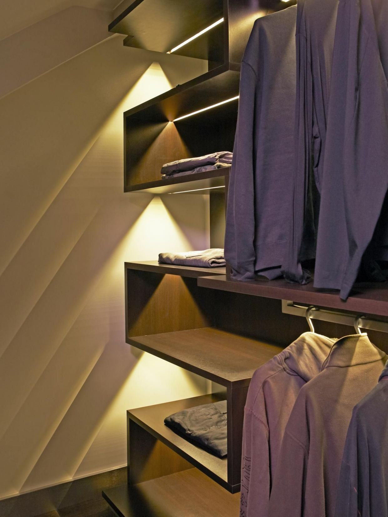8 Practical Lighting Ideas For Your Closet
