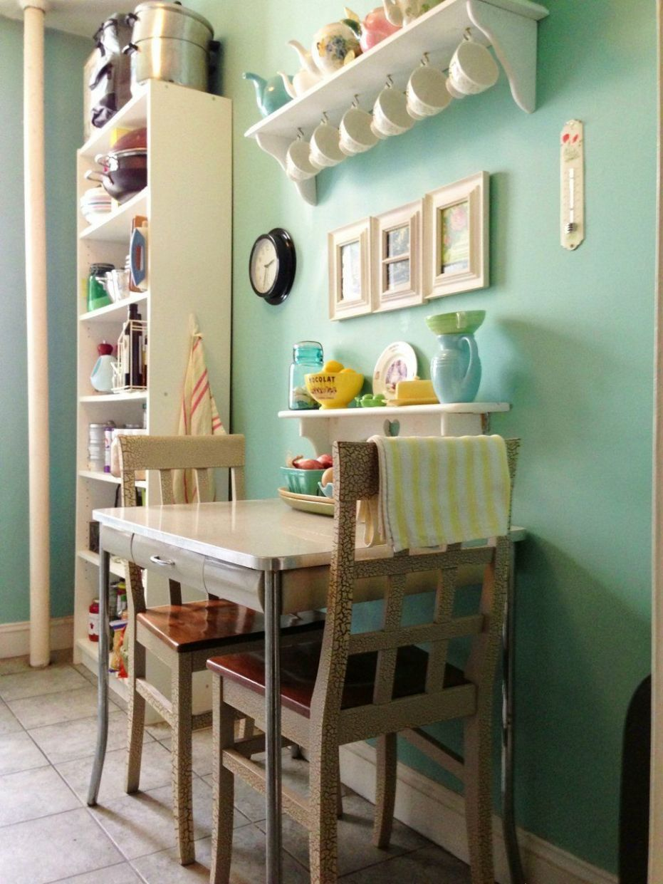 8 Small Space Kitchens, Tips, and Storage Solutions That Inspired ...