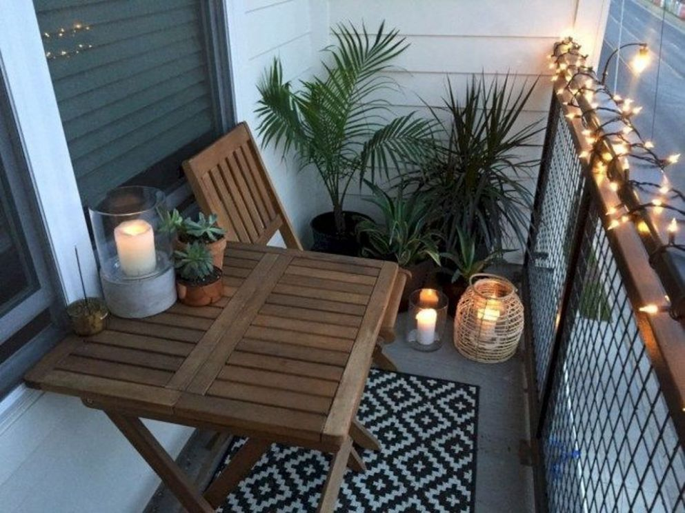 8 Splendid Small Apartment Balcony Decorating Ideas - decoomo