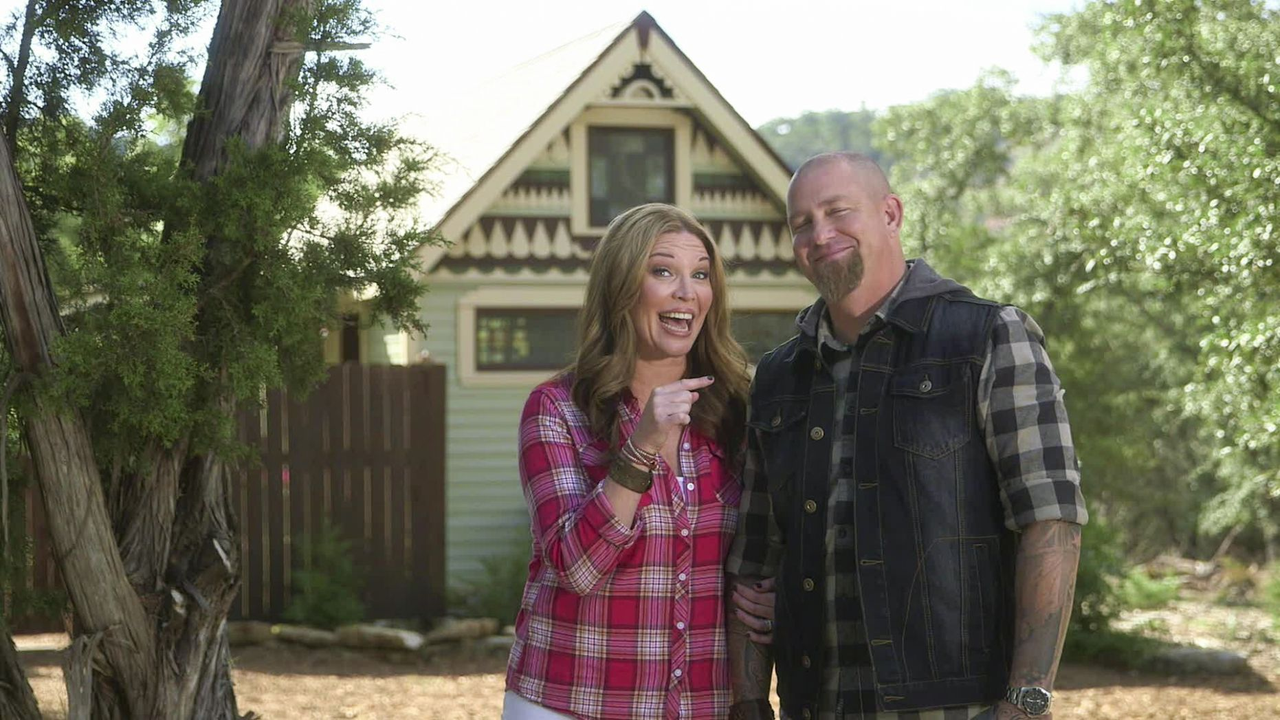 8 'Your Big Family Renovation' Hosts + 8 Adorable Tiny House = 84 ...