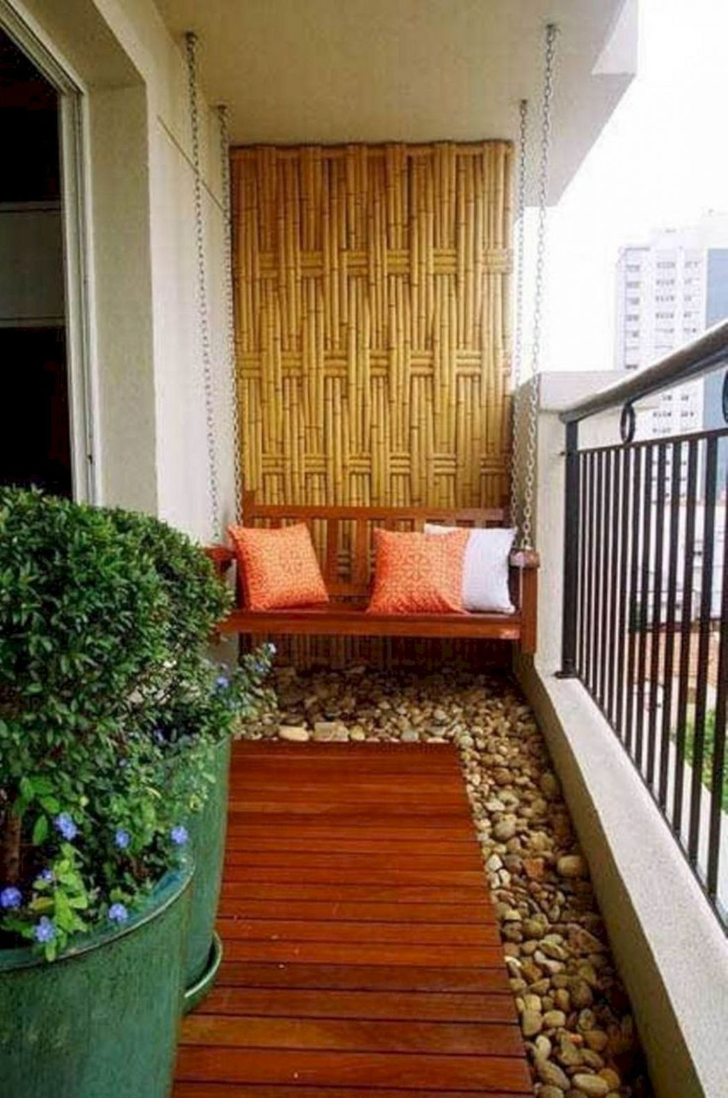 9 Apartment Balcony Ideas For Amazing Home Decoration | Kleiner ..