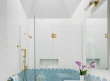 9 Beautiful Blue Master Bathroom Ideas (Photos)