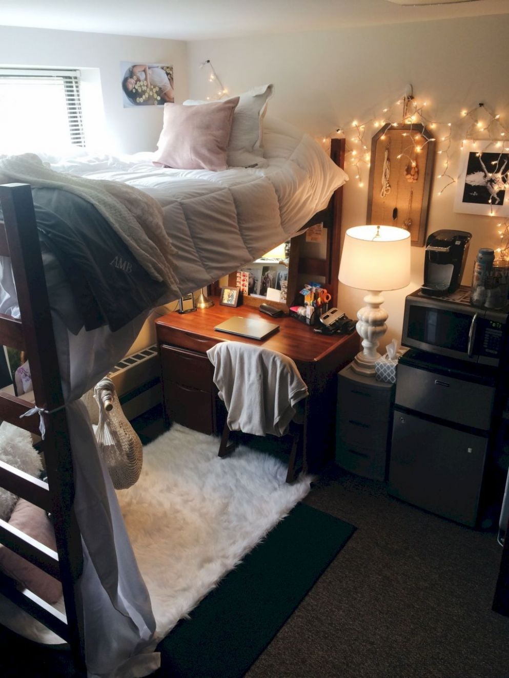 9 Beautiful Comfy Bedroom Decorating Ideas (With images ...