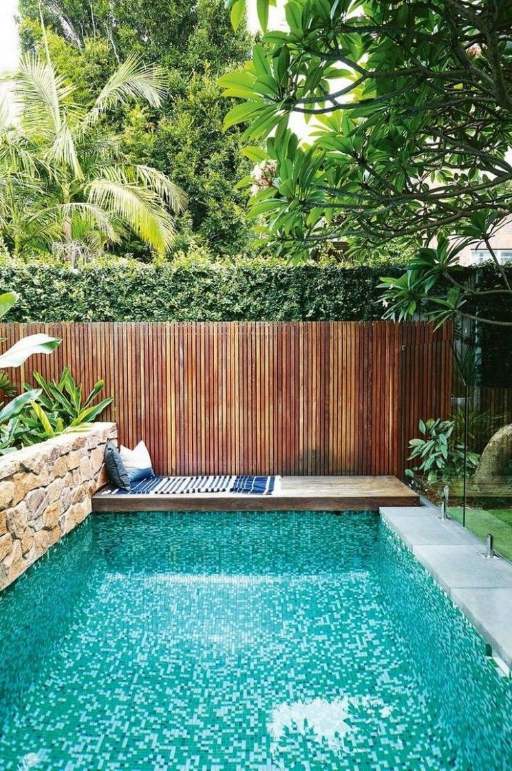 9 Beautiful Small Backyard Designs with Swimming Pool (With ..