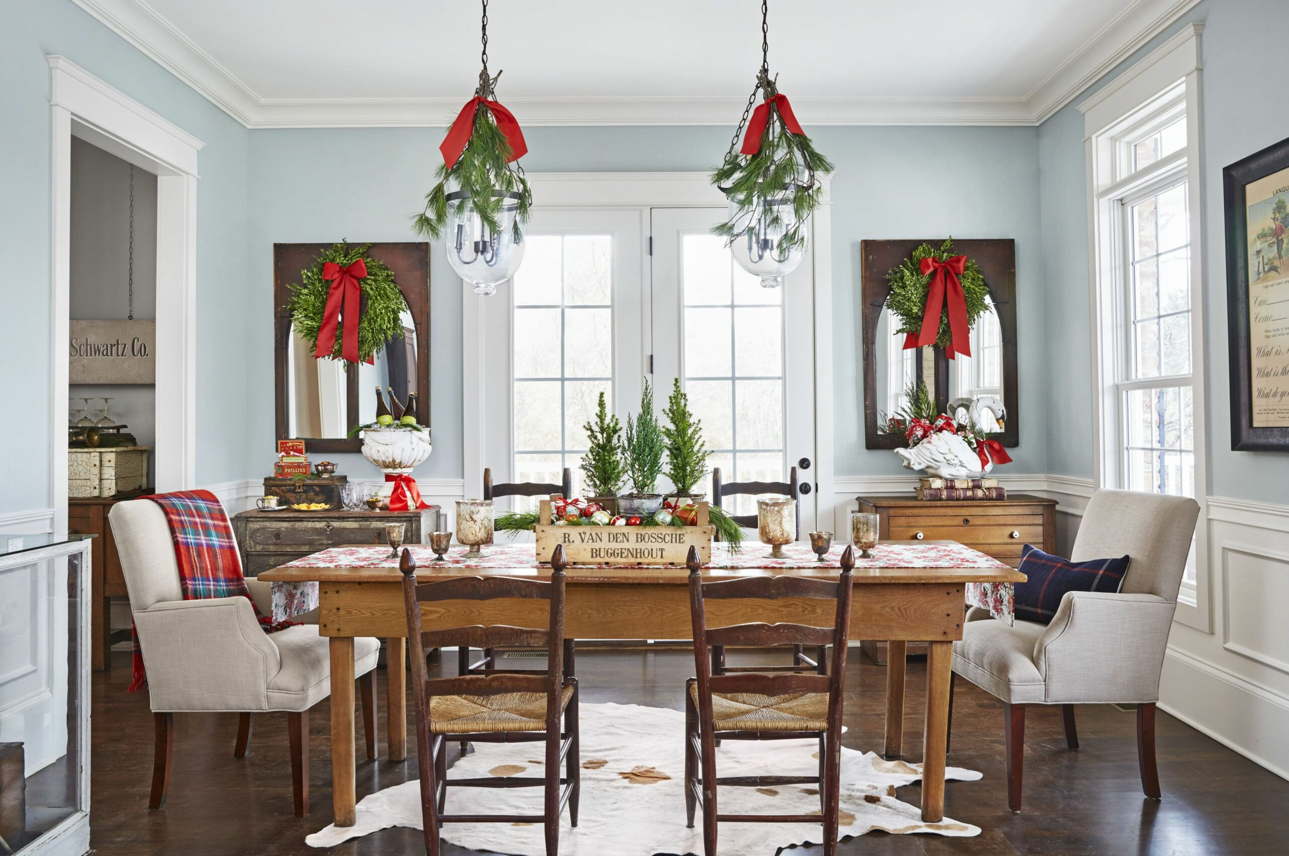 9 Best Christmas Table Settings - Decorations and Centerpiece ...