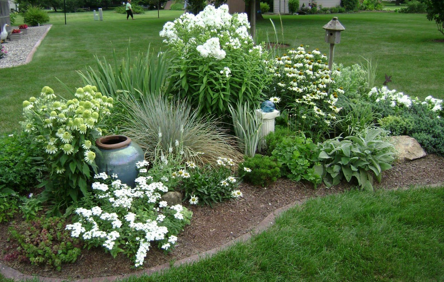 9 Best Corner Flower Bed Ideas - ideacoration