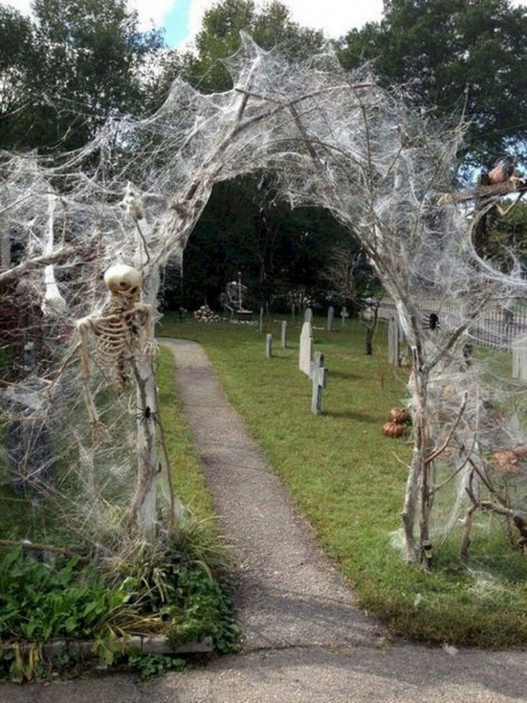 9+ Creative Outdoor Halloween Decoration Ideas #outdoor ..
