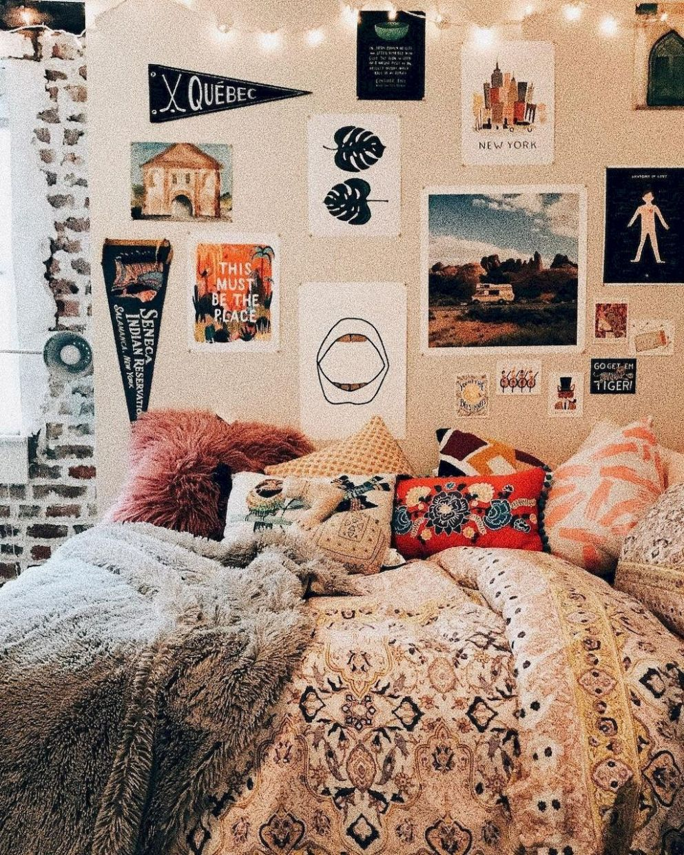 9 Cute Dorm Room Decorating Ideas on A Budget (With images ..
