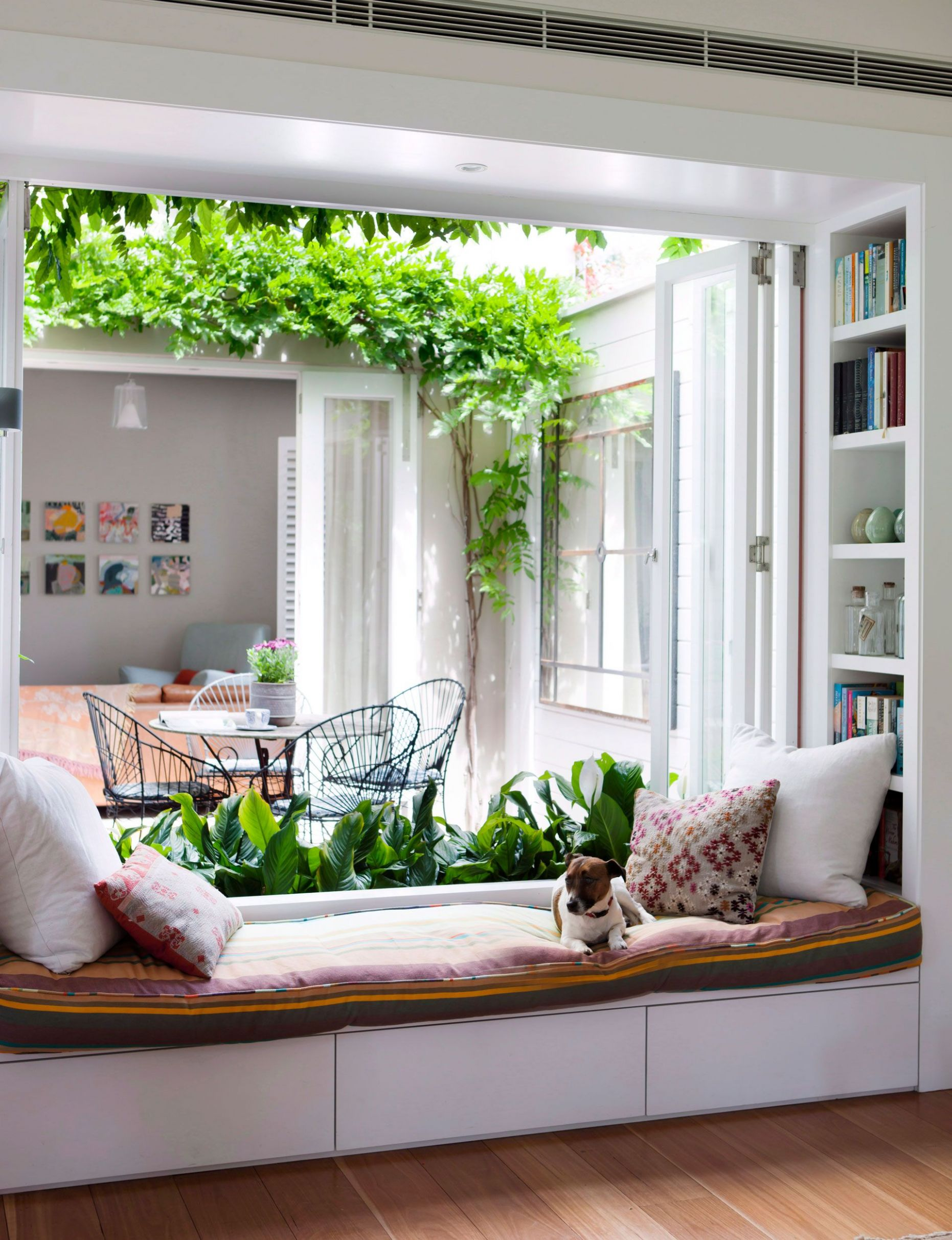 9+ Excellent Bay Window Seat Examples for Your Recess Spot | Home ..