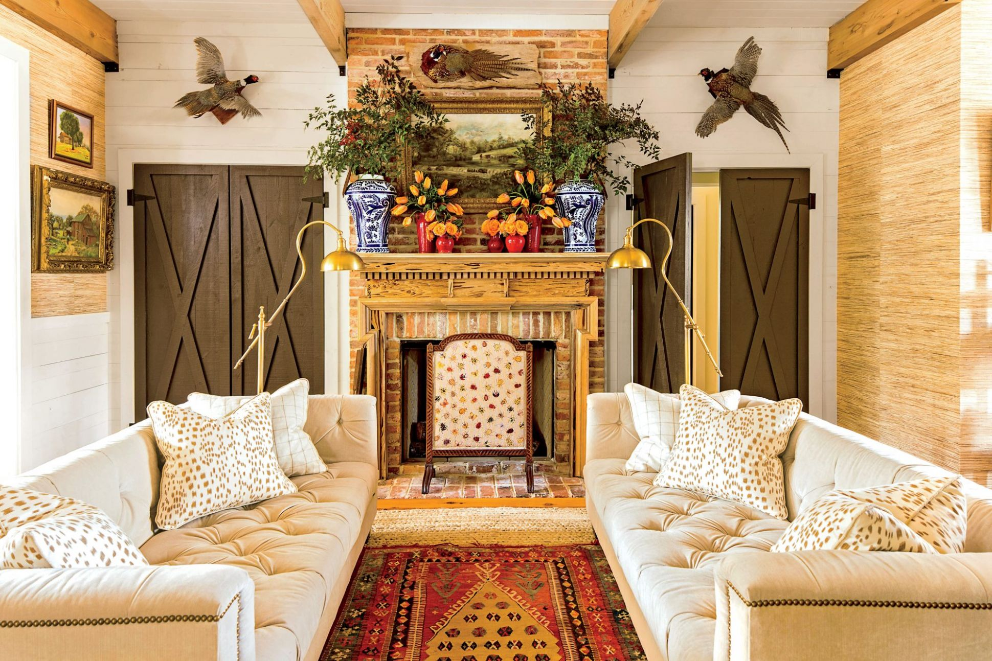 9 Farmhouse D_cor Ideas for Your Southern Home | Southern Living - front porch home decor lake country