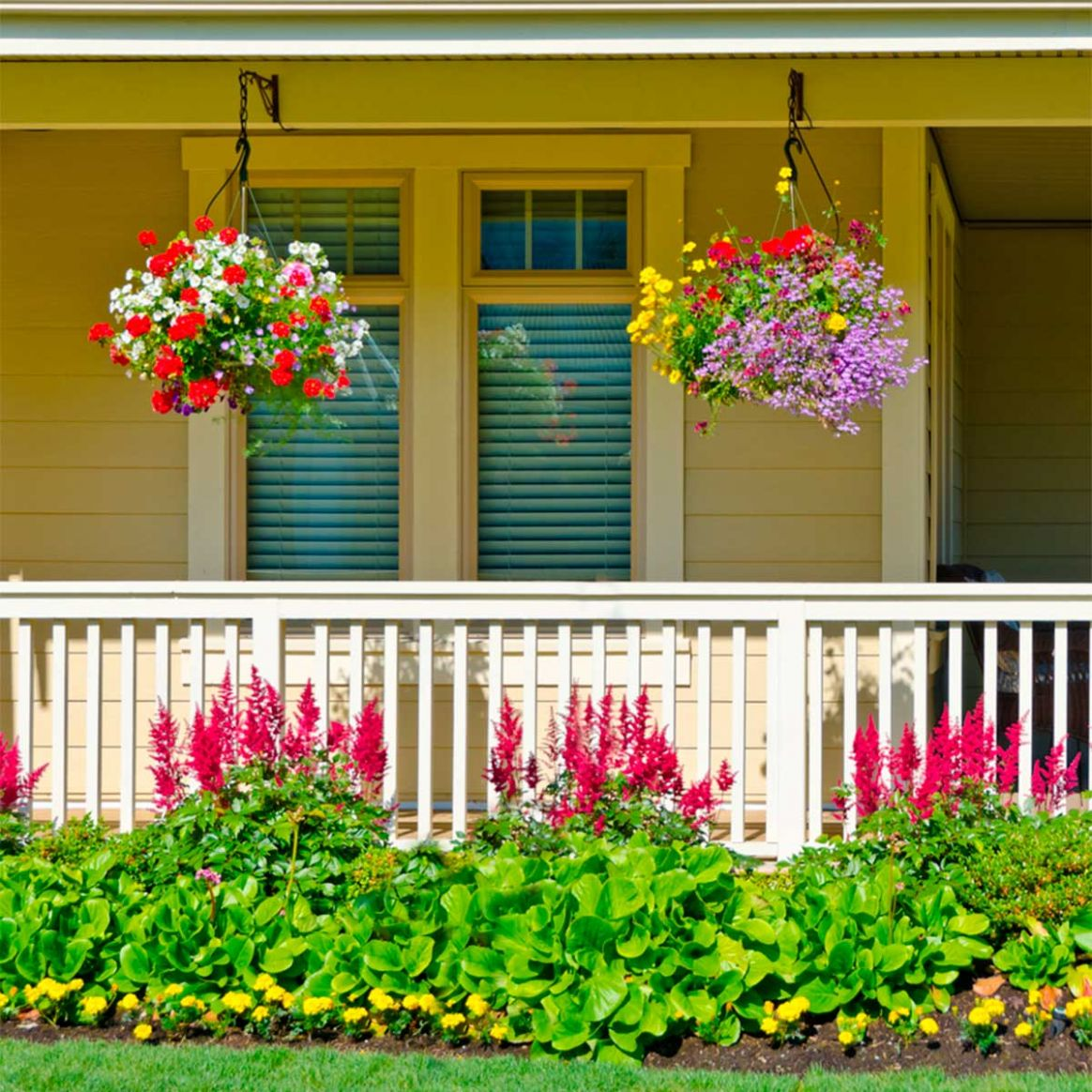 9 Front Porch Ideas and Décor for a More Welcoming Space - front porch home decor lake country