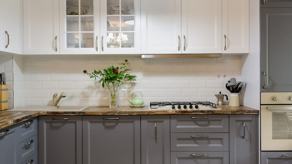 9+ Grey kitchen ideas - cabinets, splashbacks and grey kitchen tiles