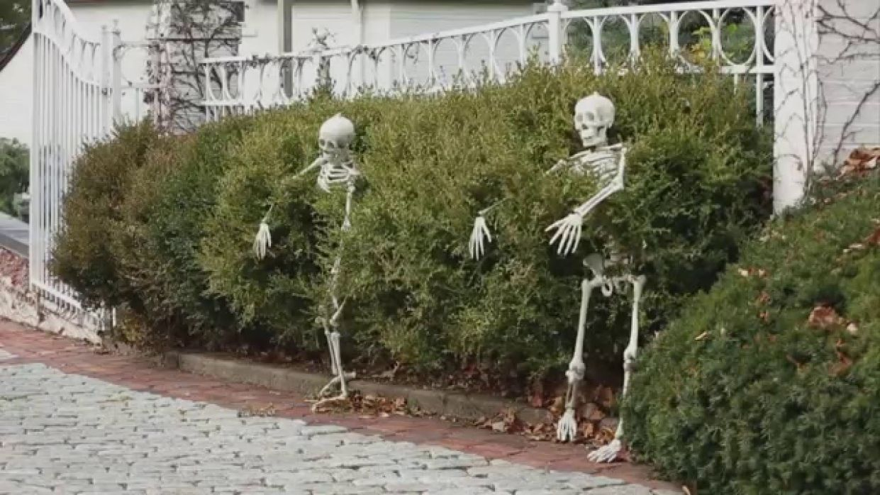 9 Outdoor Halloween Decorations Ideas - halloween ideas outside