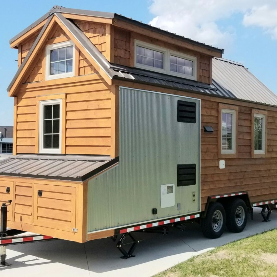 9' Tiny House with exterior storage compartments and fold down deck. -  Tiny House for Sale in Hutchinson, Minnesota - Tiny House Listings