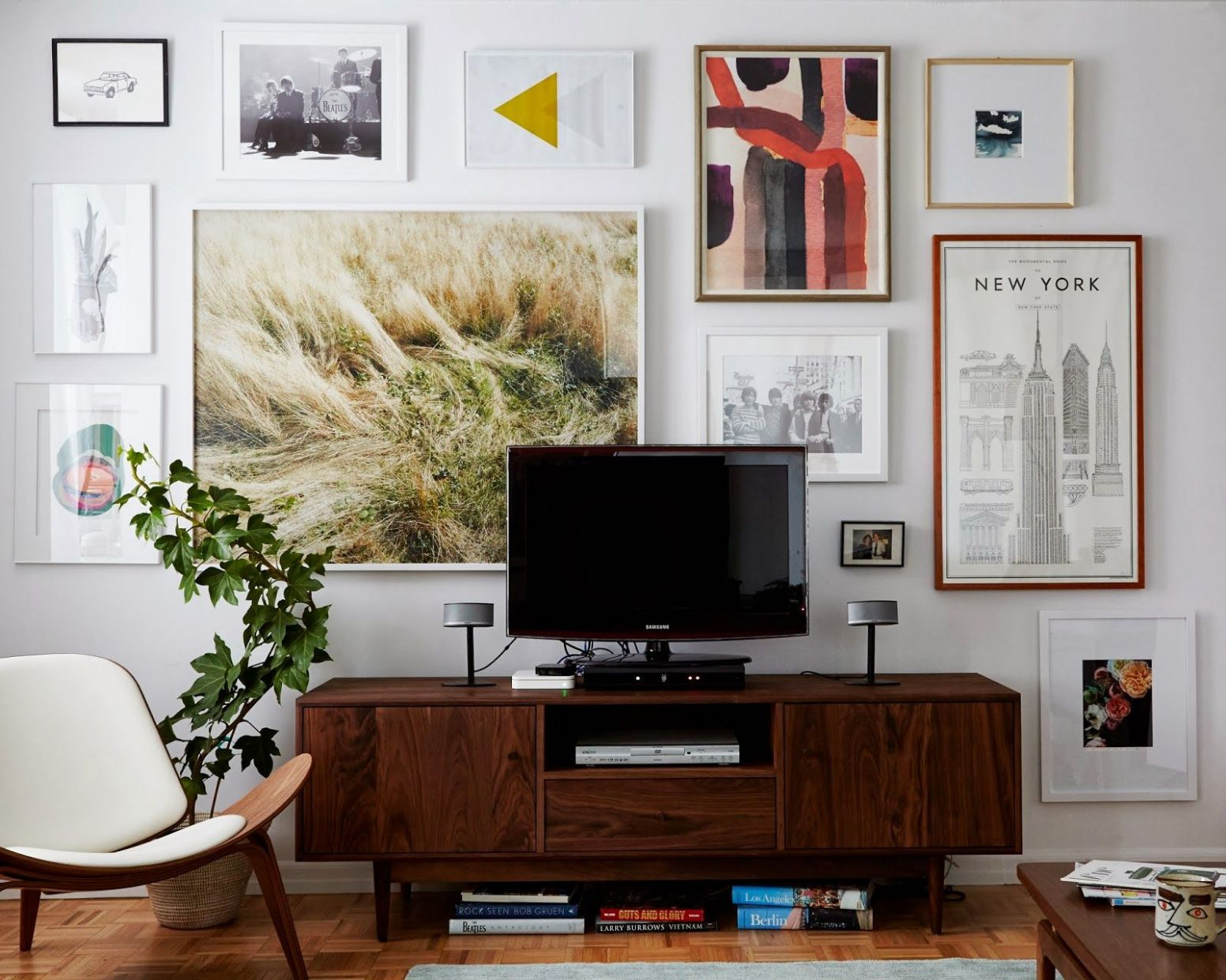 9 Tips for Decorating Around a Television | Home living room, Home ...