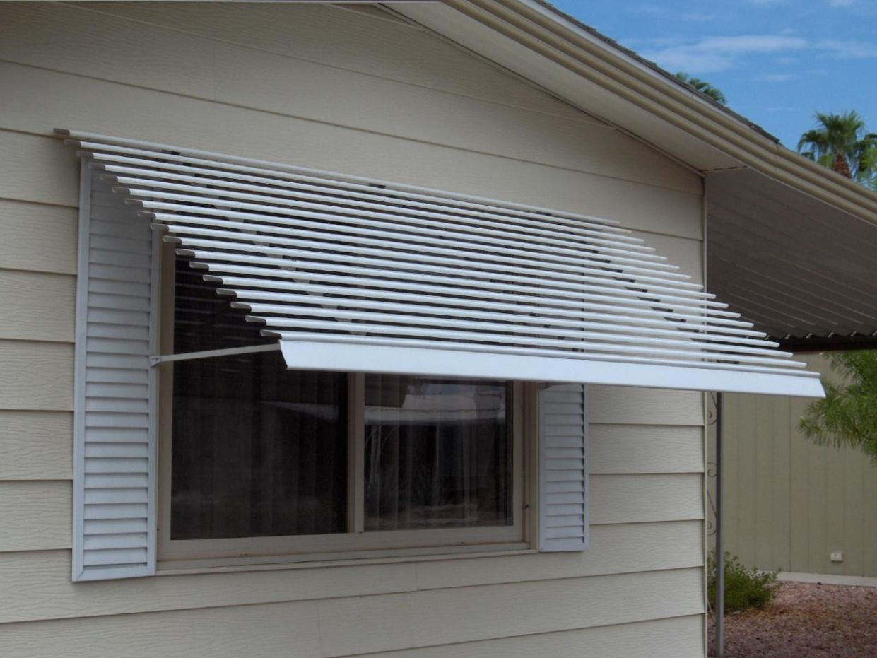 9 Types Of Awnings To Keep You Cool At Your Deck | WeRedesign