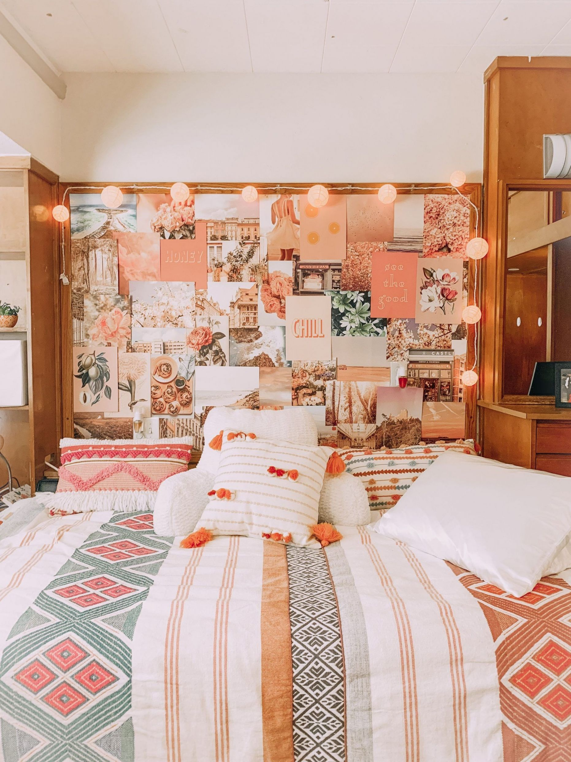 A Comprehensive Overview on Home Decoration in 11 | Dorm room ...