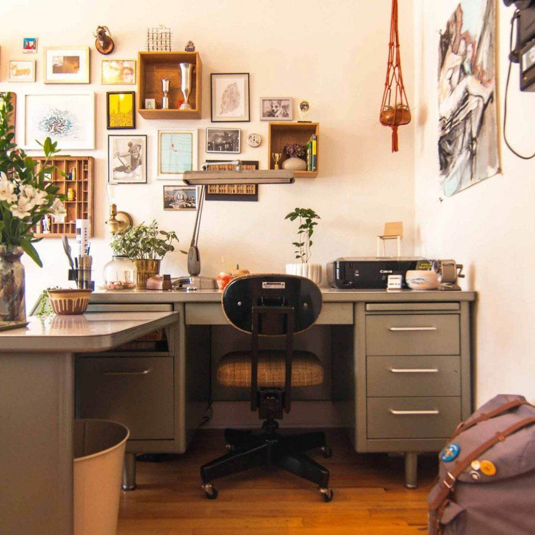 A Student's Well-Maintained Vintage Charmer, Design*Sponge | Home ...